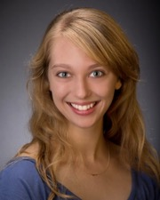 Juliet Remmers headshot
